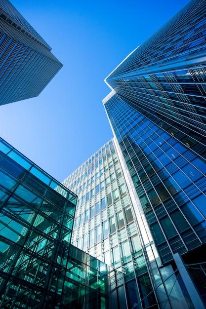 Oficina de rascacielos edificio de negocios de londres Foto Premium