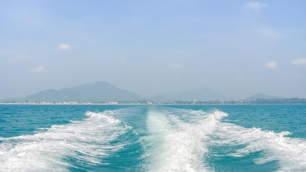 Ola en el mar Foto Premium