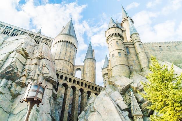 Osaka, japón - 1 de diciembre de 2015: colegio hogwarts de magia Foto gratis