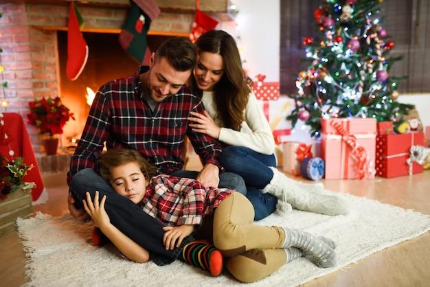 padre se coge hija dormida padres folla su hija su padre