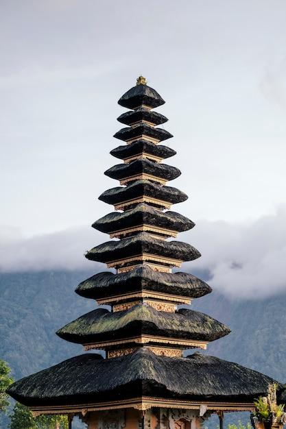 Pagoda de bali, indonesia Foto gratis