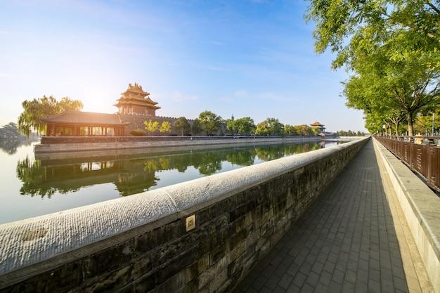 Paisaje de la torre de la esquina del palacio imperial en beijing Foto Premium