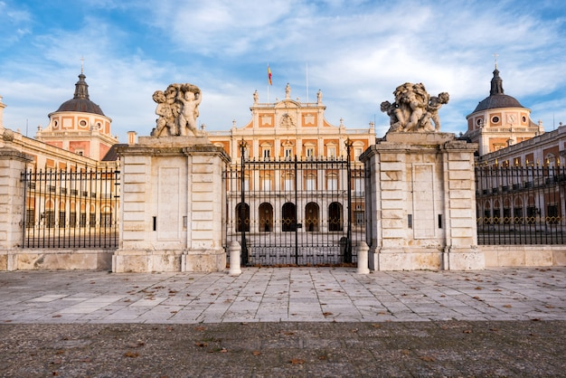 Palacio real de aranjuez, madrid, españa. Foto Premium