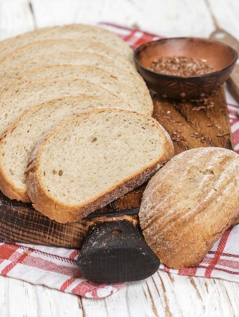 Pan integral casero recién horneado Foto Premium