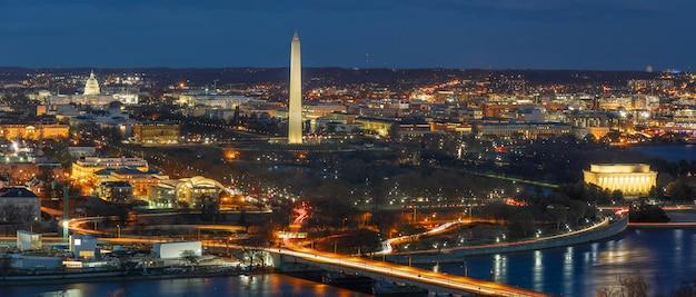 Panorama de la escena de la vista superior de washington dc, estados unidos capitolio, washington monumento, lincoln memorial Foto Premium
