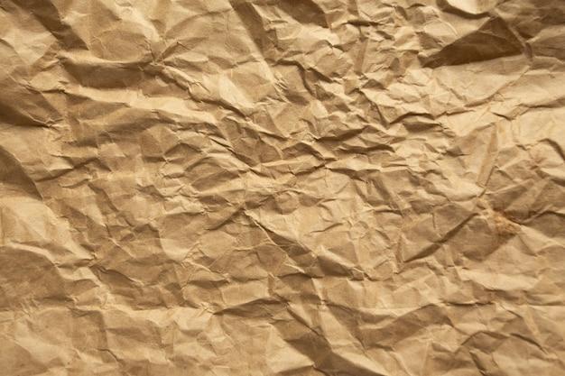 Papel arrugado marrón. Foto gratis