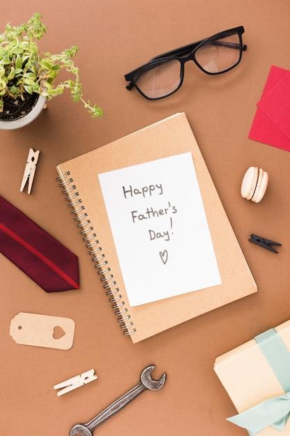 Papel con mensaje para el dia del padre Foto gratis