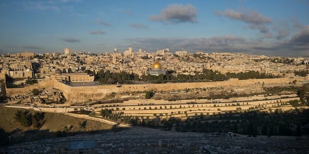 Pared circundante con la cúpula de la roca y la mezquita al-aqsa, ciudad vieja, jerusalén, israel Foto Premium