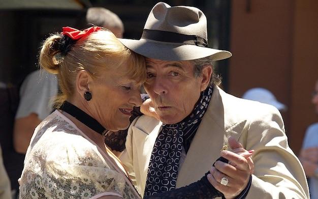 Resultado de imagen de viejos bailando tango