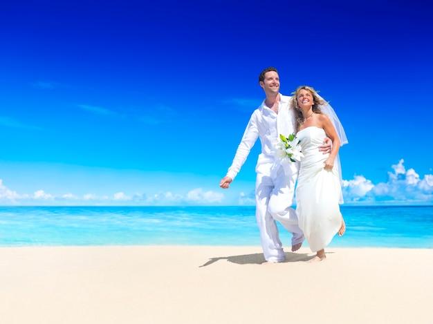 Pareja Casándose En Una Playa En Samoa Descargar Fotos Premium