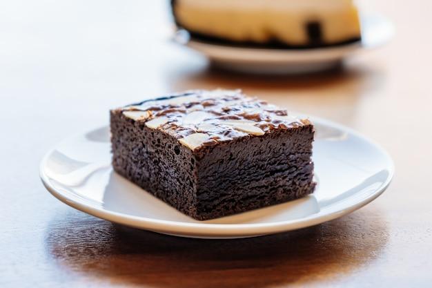 Pastel de brownies de chocolate Foto gratis