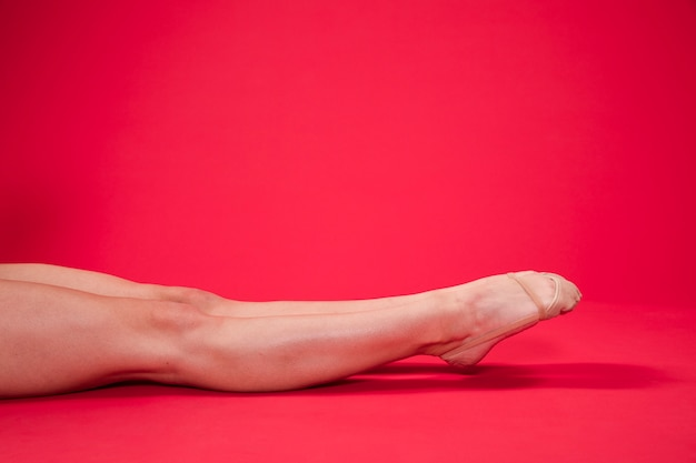 Pies de gimnasta rítmica Foto gratis
