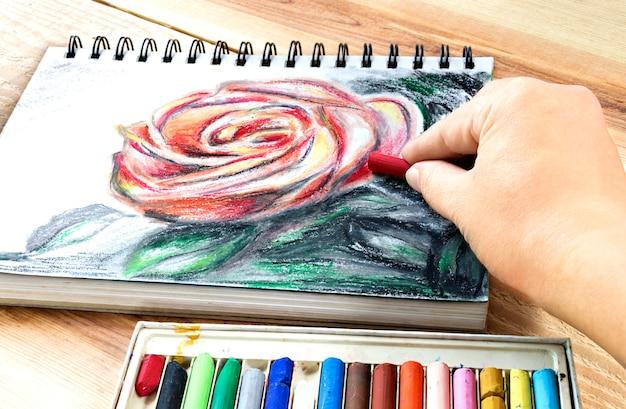 Pintura Colorida Del Dibujo De Los Lápices De Colores De Los