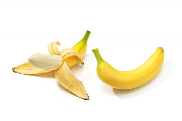Plátano pelado y plátano aislado Foto Premium