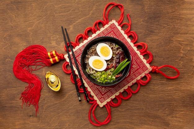 Plato de año nuevo chino de vista superior Foto gratis