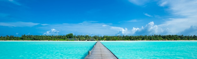 Playa tropical en maldivas Foto Premium