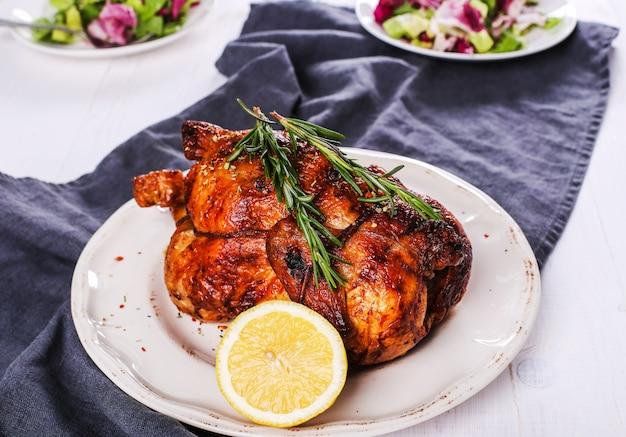 Pollo asado Foto gratis