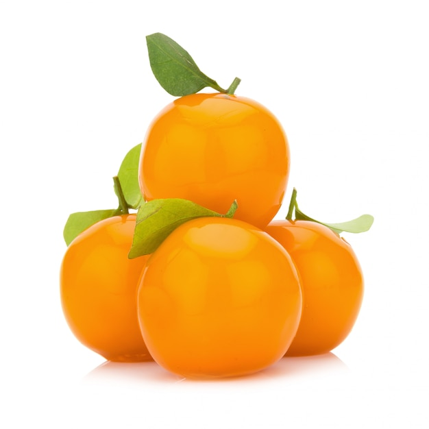 Postre de naranja. tailandia frutas de imitación deletable. hecho a mano. naranja pequeña Foto Premium