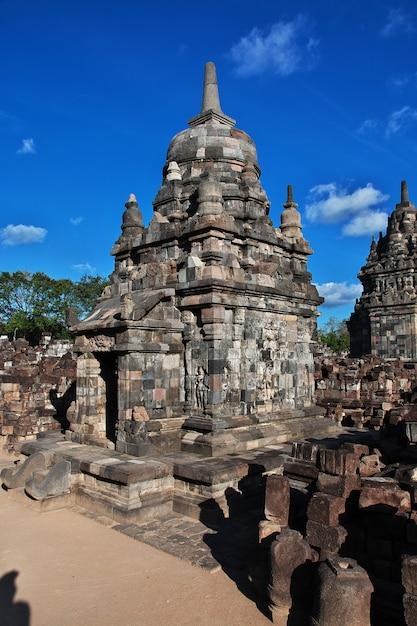 Prambanan es un templo hindú en yogyakarta, java, indonesia Foto Premium