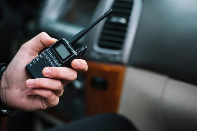 Primer guardia de seguridad en coche Foto gratis