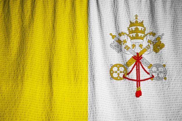 Vexilología - Página 4 Primer-plano-bandera-ciudad-vaticano-volantes-bandera-ciudad-vaticano-soplando-viento_6724-1279