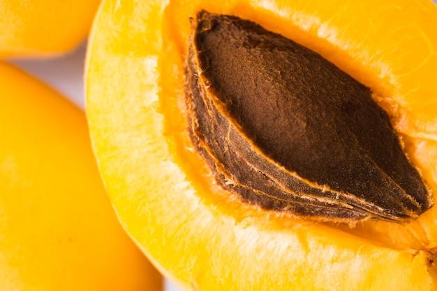 Primer plano de naranja albaricoque fruta Foto gratis