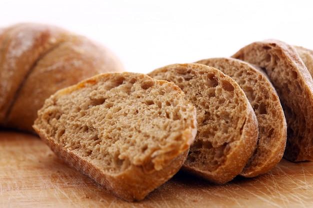 Primer plano de pan rebanado Foto gratis