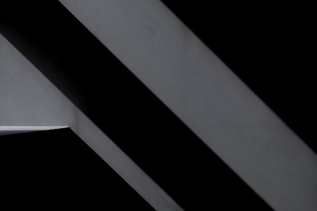 Primer plano de pared con sombras oscuras Foto gratis