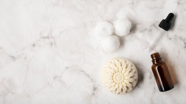 Productos planos para el cuidado de la piel natural Foto gratis