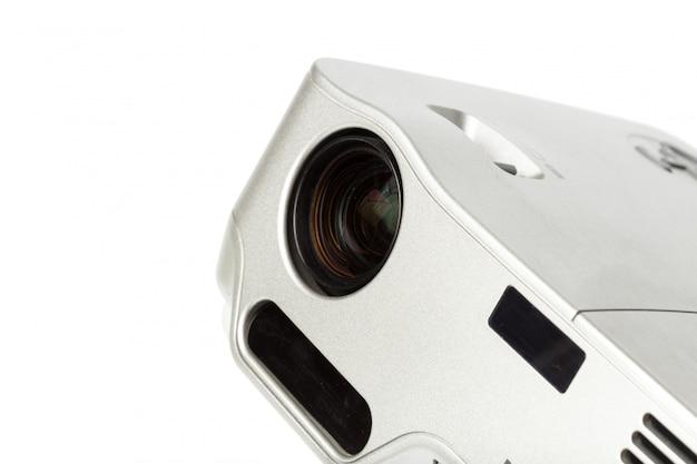Proyector multimedia color plata sobre blanco. Foto Premium
