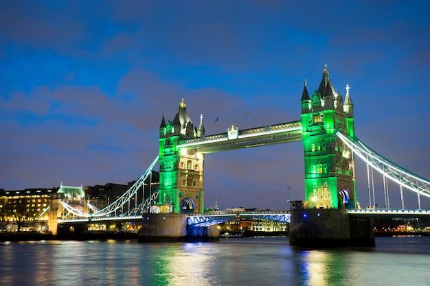 Puente de la torre, londres, inglaterra Foto Premium