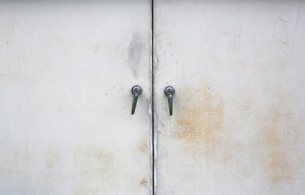 Puerta cerrada de metal Foto Premium