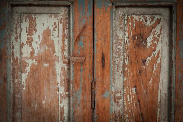 Puerta de madera vieja trendy puerta de madera vieja foto for Puerta vieja madera