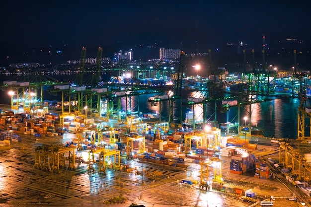 Puerto de envío de singapur Foto Premium
