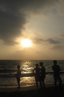 la playa por la noche: