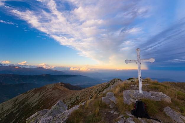 Puesta de sol en los alpes Foto Premium