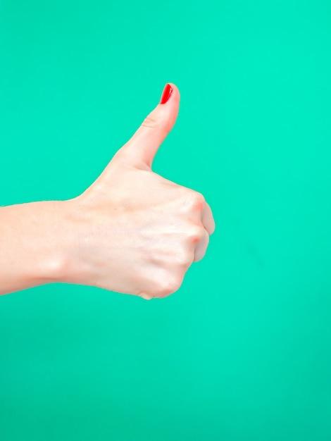 El pulgar hacia arriba signo Foto Premium