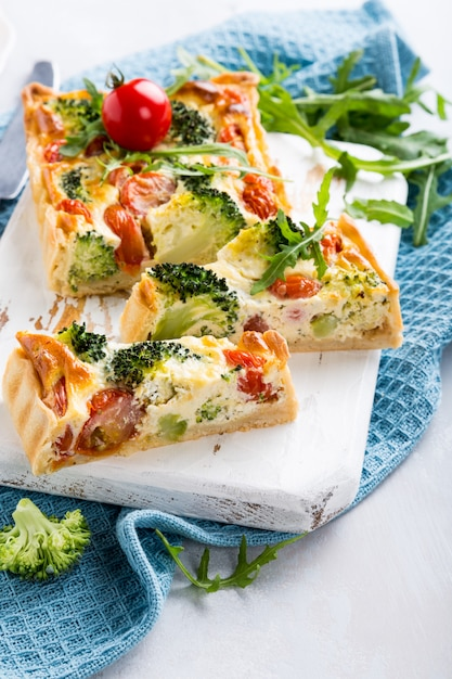 Quiche vegetariana casera Foto Premium
