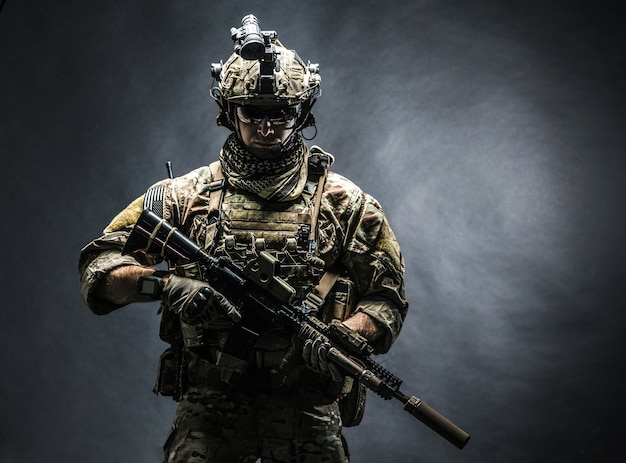 Ranger del ejército en el campo uniformes Foto Premium