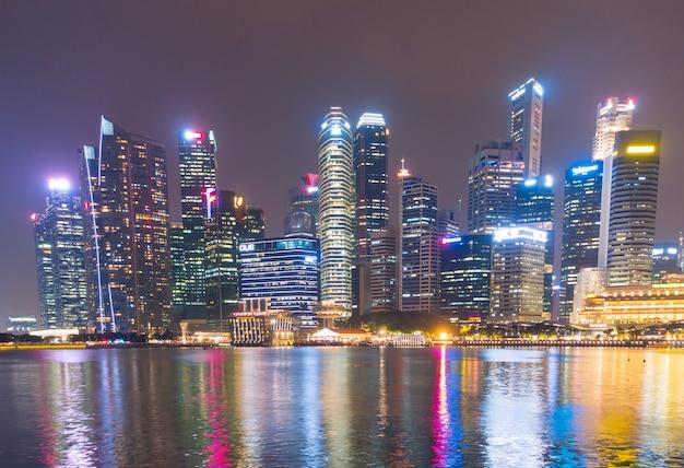 Rascacielos que construyen la ciudad de singapur. Foto Premium