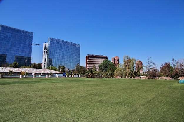 El rascacielos en santiago de chile Foto Premium