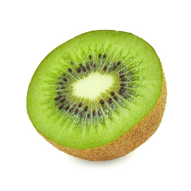 Rebanada de fruta de kiwi jugosa y sana fresca, aislada en el fondo blanco Foto Premium