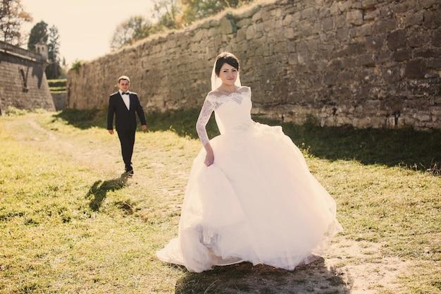 Reci n casados en el campo descargar fotos gratis - Sorpresas para recien casados ...