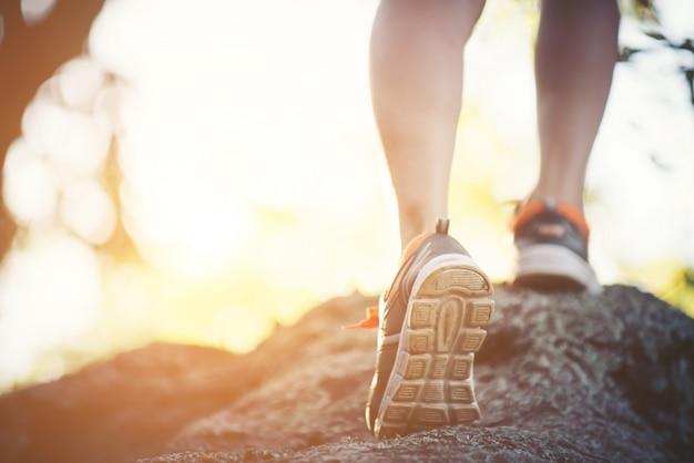 recreación chica joven maratón de primavera Foto Gratis