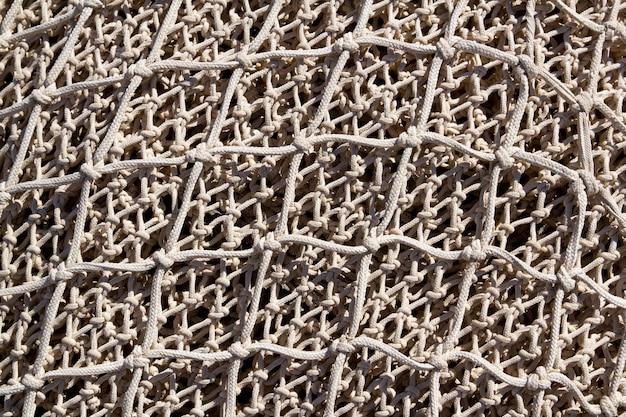 Redes de pesca y aparejos en puerto andratx de mallorca. Foto Premium