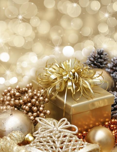 Regalo dorado con adornos de navidad descargar fotos gratis - Adornos para fotos gratis ...
