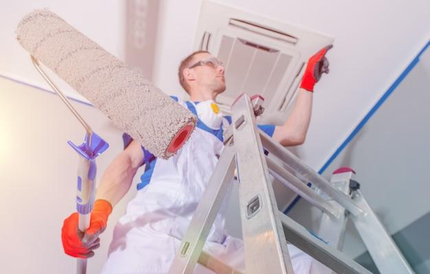 Renovación de la pintura interior Foto gratis
