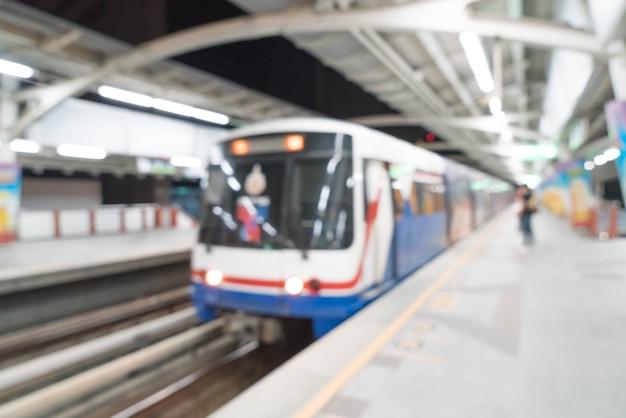 Resumen borrosa estación de tren eléctrico Foto gratis