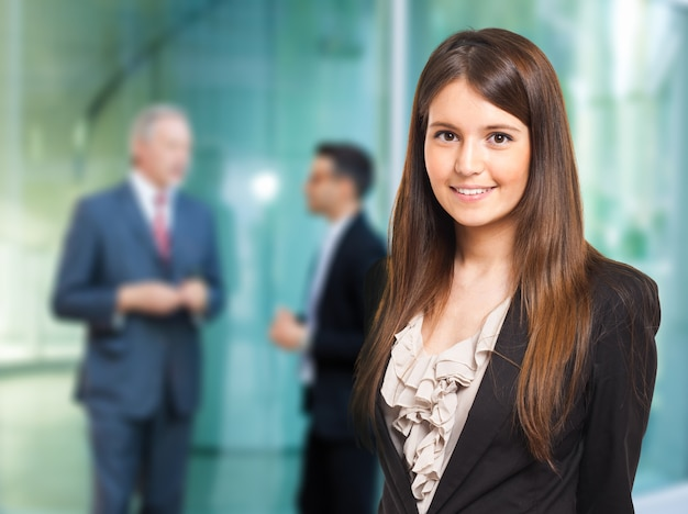 Retrato de una empresaria sonriente Foto Premium