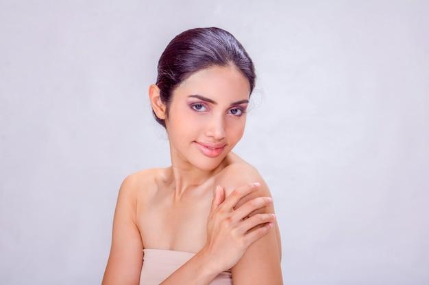36ca39ba0 Un retrato joven de la mujer asiática